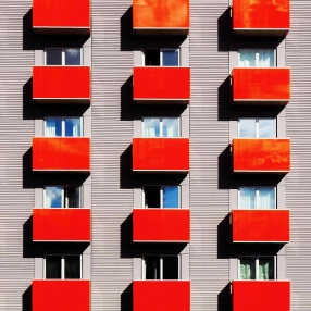 Marina Tamsol gleda zgrade drugačije